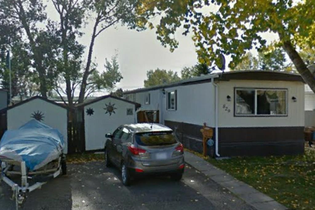 829 BRENTWOOD Crescent Strathmore AB T1P 1E5