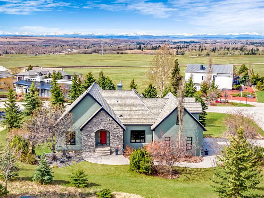 148 Slopeview Drive SW Calgary AB T3H 4G5