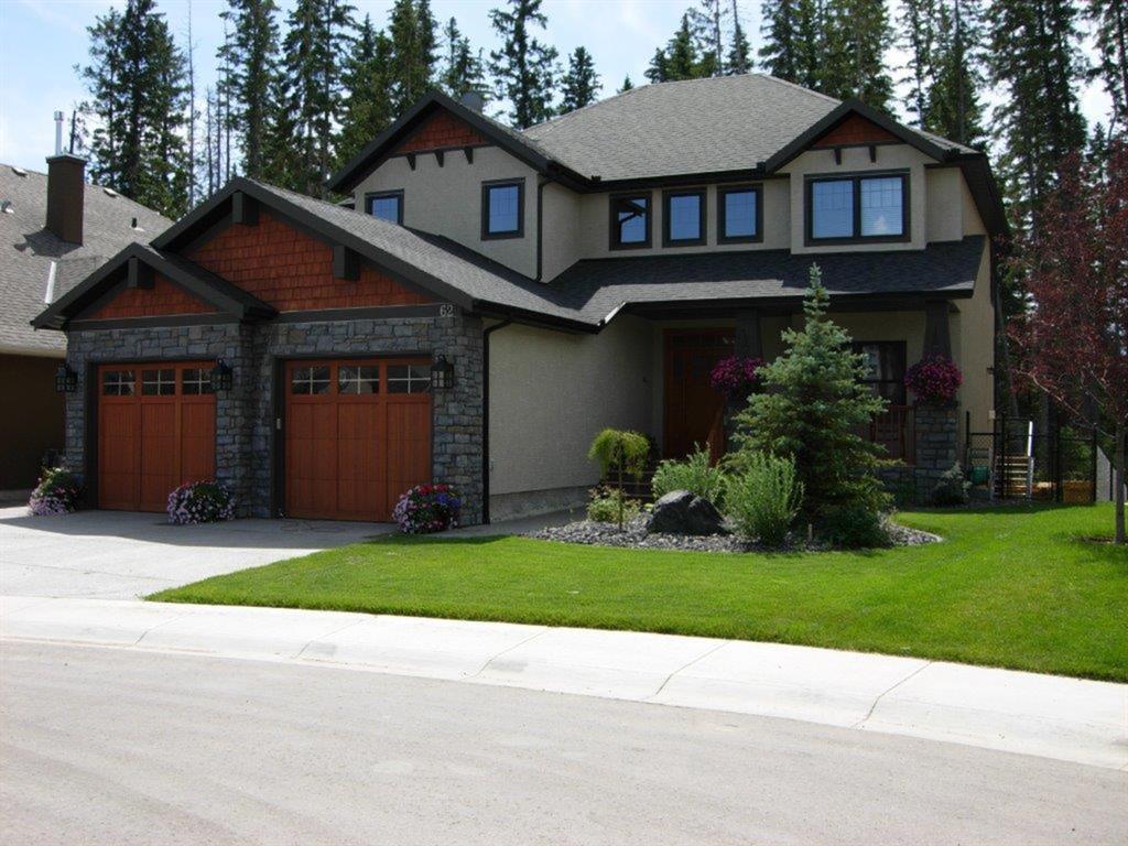62 Discovery Ridge Manor SW Calgary AB T3H 5L9