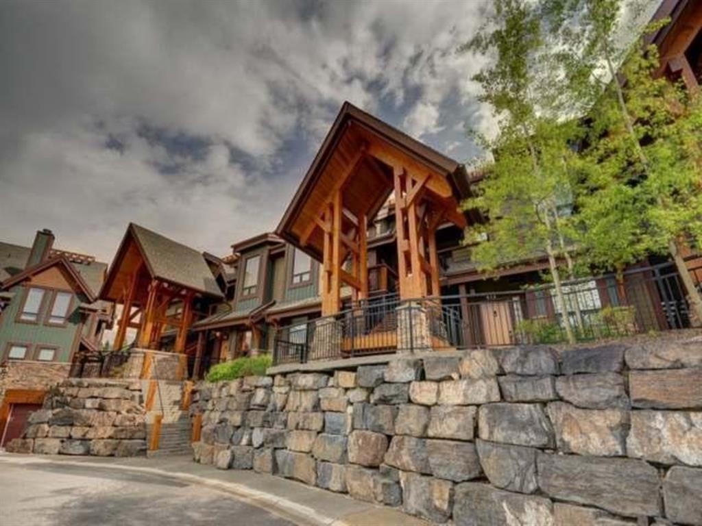422,   107 Armstrong Place Canmore AB T1W 3M1