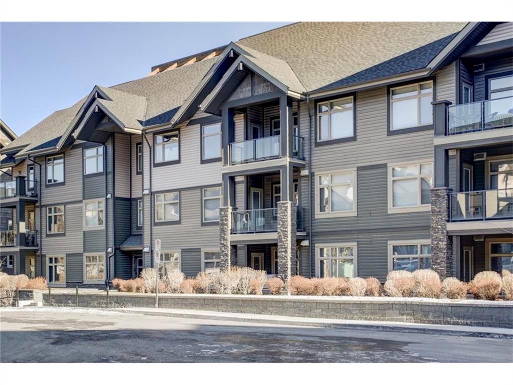 207,   35 ASPENMONT Heights SW Calgary AB T3H 0E5