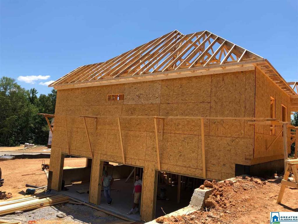 Photo of home for sale at 801 Grey Oaks Cove, Pelham AL