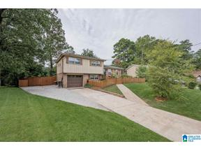 Property for sale at 1136 Hardwick Lane, Homewood, Alabama 35209