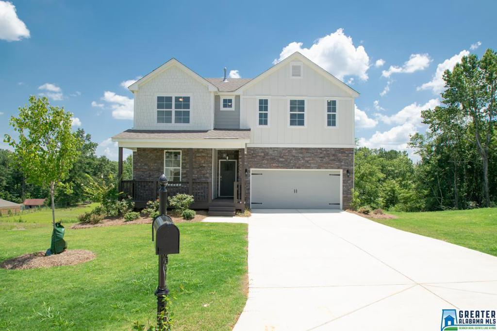 Photo of home for sale at 4039 Laura Ln, Chelsea AL