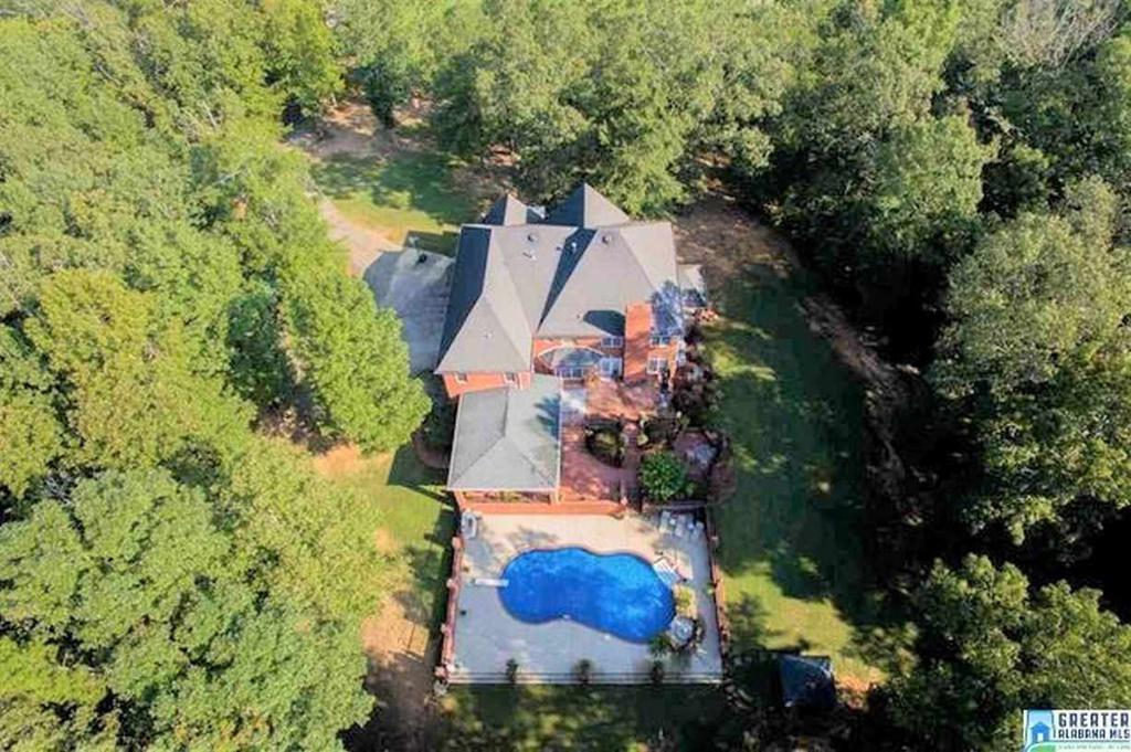 Photo of home for sale at 532 Greens Chapel Rd, Cleveland AL