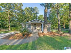 Property for sale at 951 18th St, Calera,  Alabama 35040
