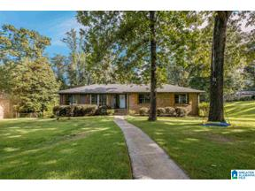 Property for sale at 3224 Cornwall Drive, Hoover, Alabama 35226