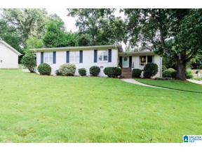 Property for sale at 1304 Round Hill Road, Vestavia Hills, Alabama 35216