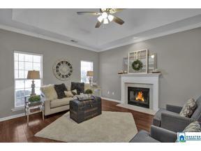 Property for sale at 326 Bedford Cir, Calera,  Alabama 35040