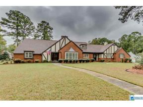 Property for sale at 2343 Tanglewood Dr, Vestavia Hills,  Alabama 35216