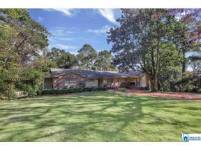 Property for sale at 229 Vestavia Cir, Vestavia Hills,  Alabama 35216