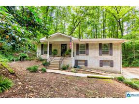 Property for sale at 624 3rd Terr, Pleasant Grove,  Alabama 35127