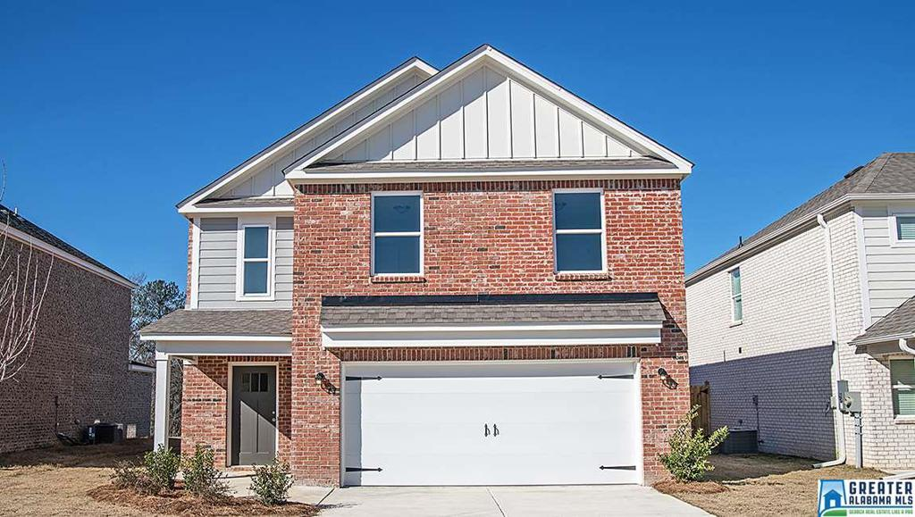 Photo of home for sale at 549 Reading Ln, Fultondale AL