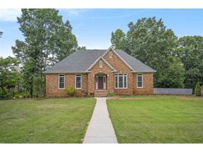 Property for sale at 1038 Crest Rd, Leeds,  Alabama 35094
