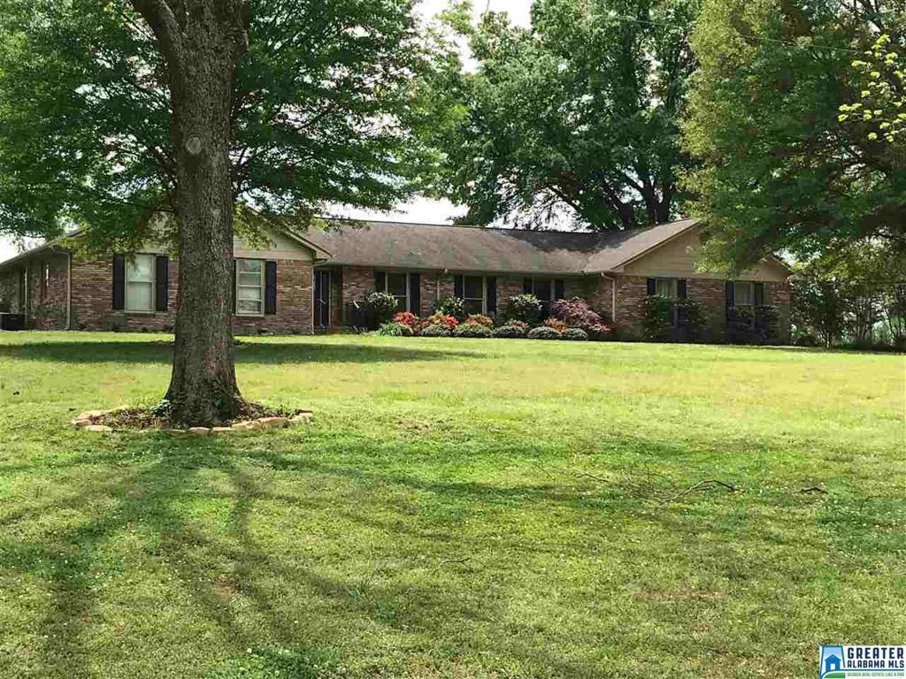 Photo of home for sale at 1750 Kent Rd, Oneonta AL