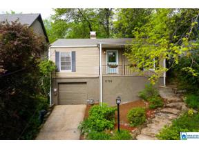 Property for sale at 2716 16th Pl S, Homewood,  Alabama 35209