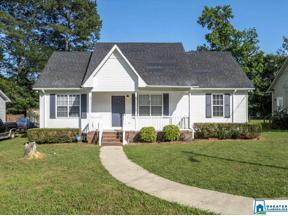 Property for sale at 1017 25th Ave N, Hueytown,  Alabama 35023