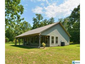 Property for sale at 165 Hollybrook Rd, Columbiana,  Alabama 35051