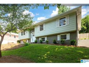 Property for sale at 3423 Flintshire Drive, Hoover, Alabama 35226