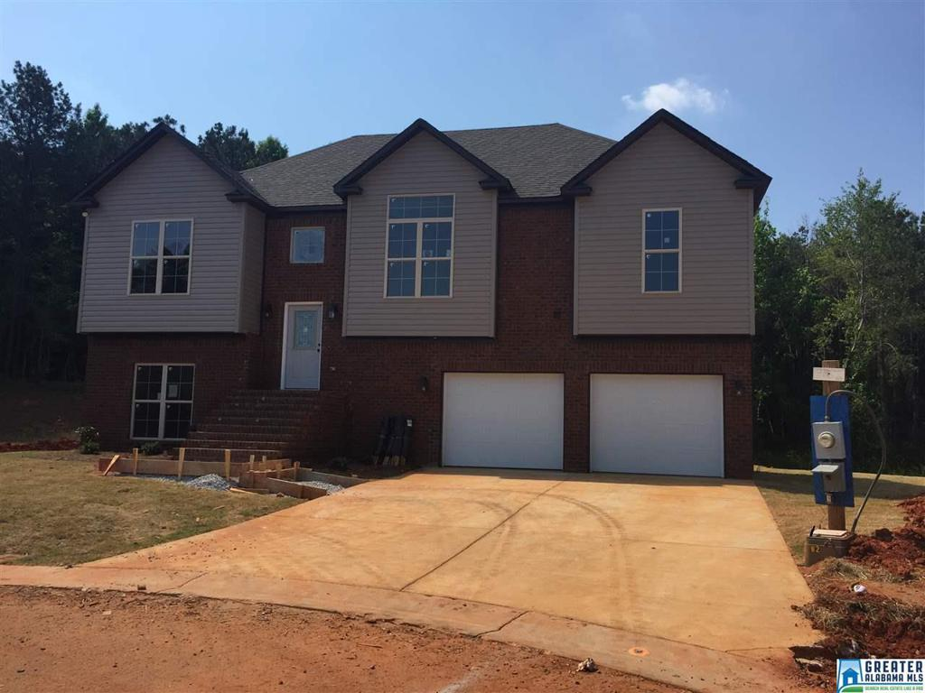 Photo of home for sale at 5052 Meadow Lake Crest, Mccalla AL