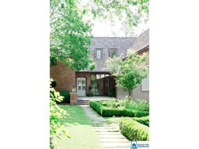 Property for sale at 17 Montcrest Dr, Mountain Brook,  Alabama 35213