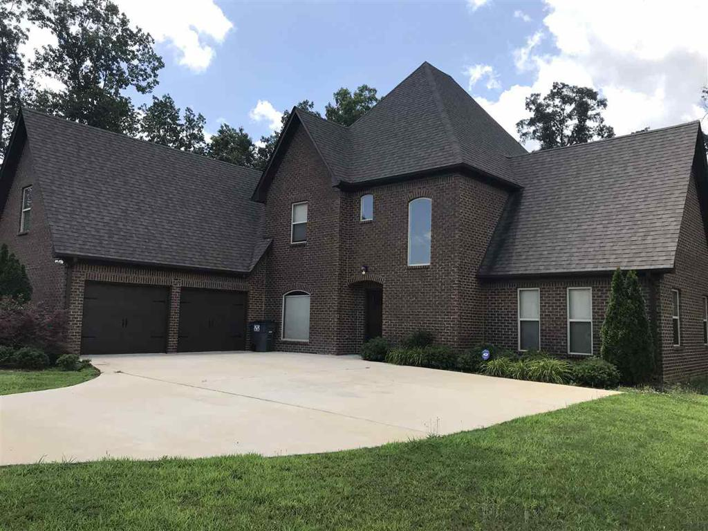 Photo of home for sale at 6004 Long Leaf Lake Trl, Helena AL