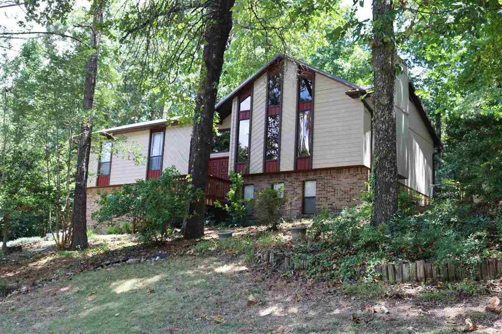 Photo of home for sale at 1316 Whirlaway Cir, Helena AL