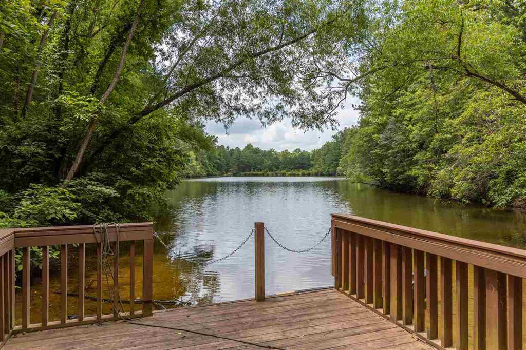 Photo of home for sale at 105 Hampton Cove, Pelham AL
