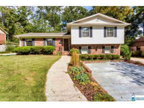 Property for sale at 3212 Tyrol Rd, Vestavia Hills,  Alabama 35216