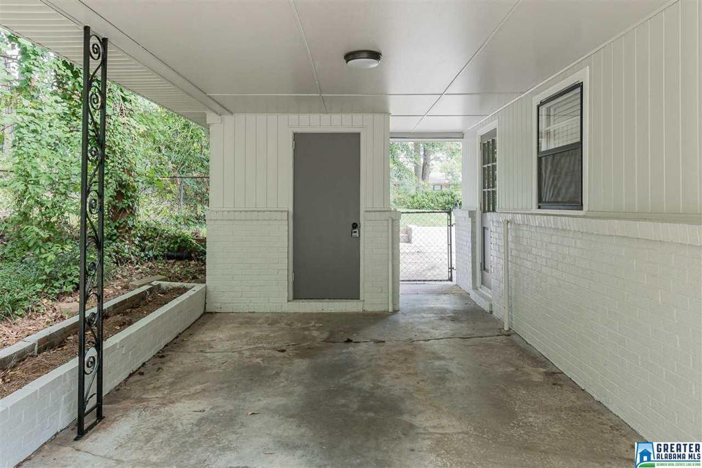 Photo of home for sale at 1352 Mccoy St, Irondale AL