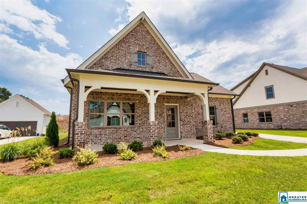 Photo of home for sale at 832 Oxbow Cove, Helena AL