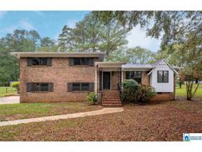Property for sale at 104 Highwood Dr, Hueytown,  Alabama 35023