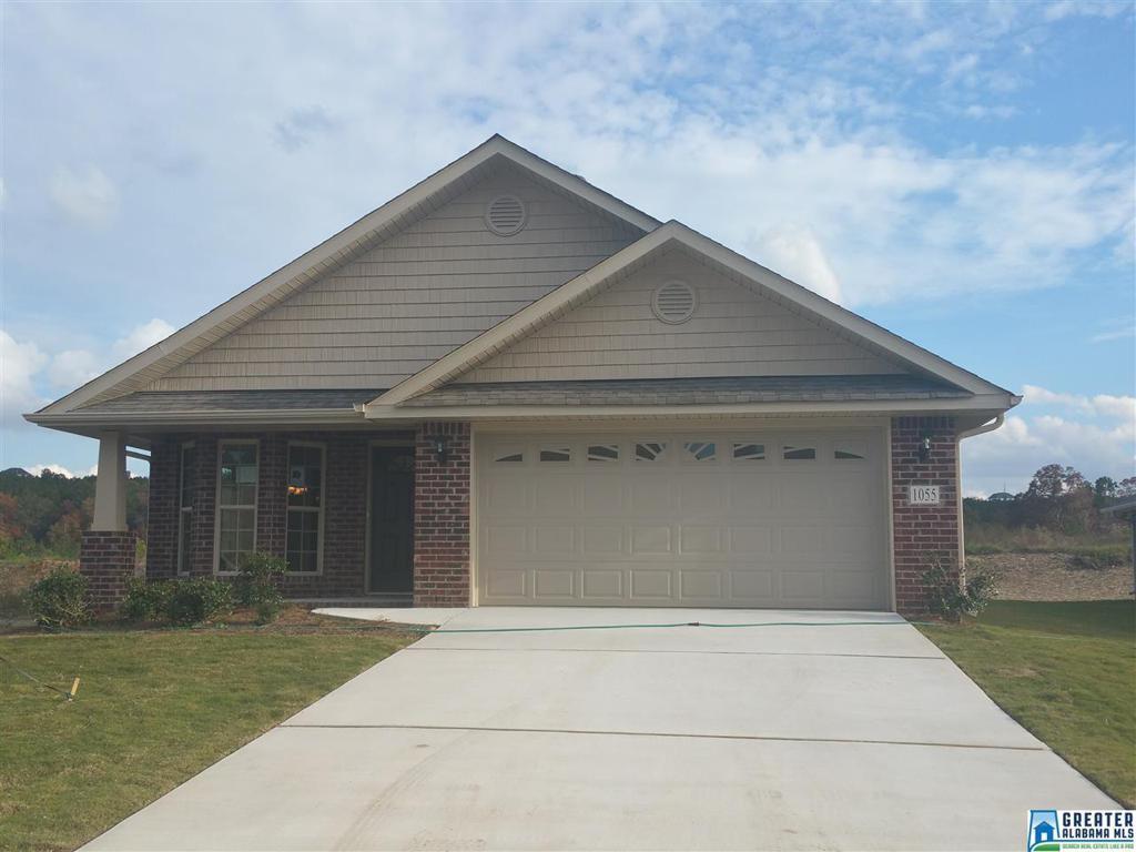 Photo of home for sale at 6838 Oaklawn Ln, Mccalla AL