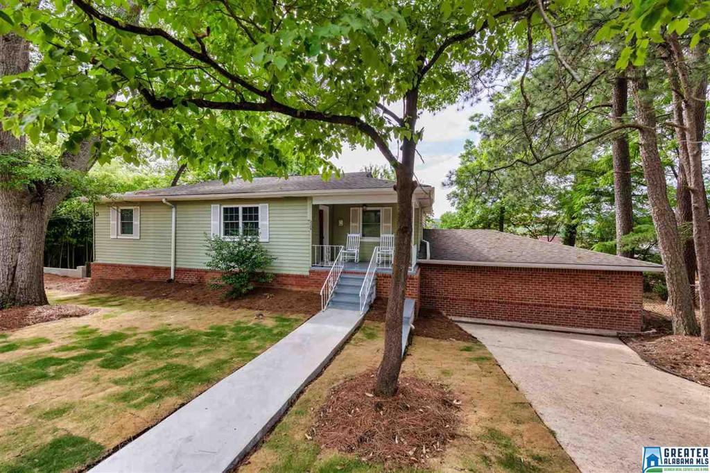 Photo of home for sale at 2309 2nd Ave N, Irondale AL