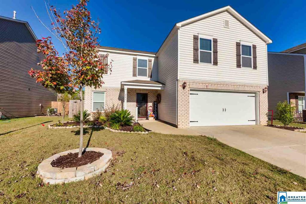 Photo of home for sale at 261 Chesser Reserve Dr, Chelsea AL