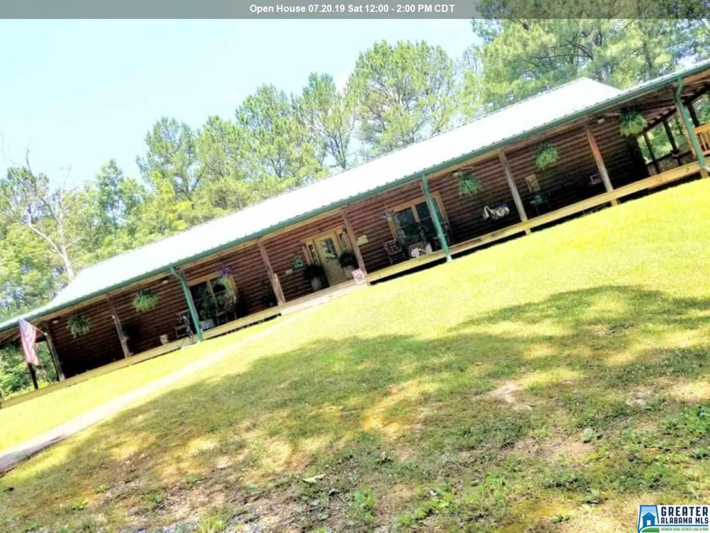 Photo of home for sale at 40 Pike Rd, Remlap AL
