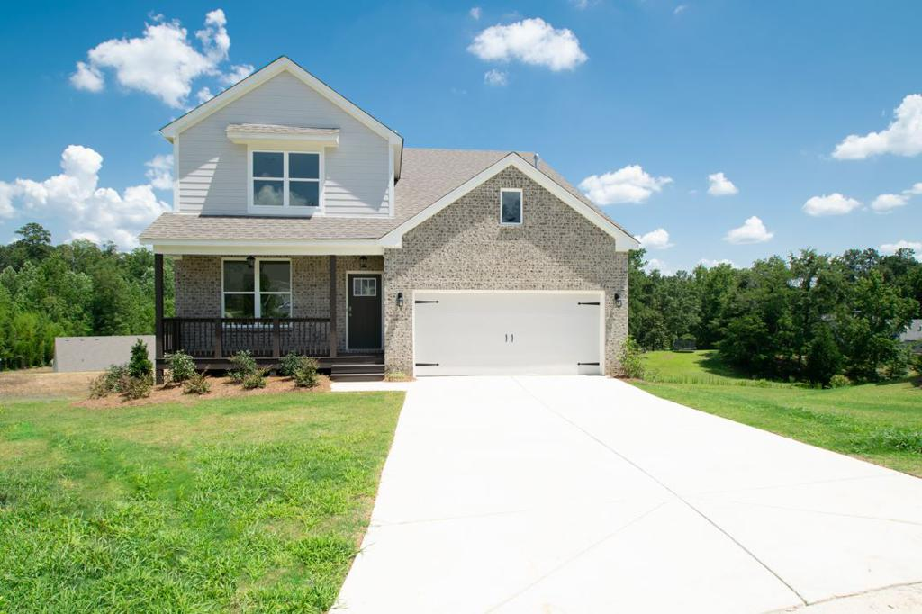 Photo of home for sale at 4035 Laura Ln, Chelsea AL