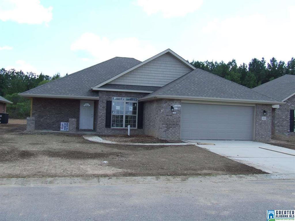 Photo of home for sale at 183 Waterford Lake Dr, Calera AL