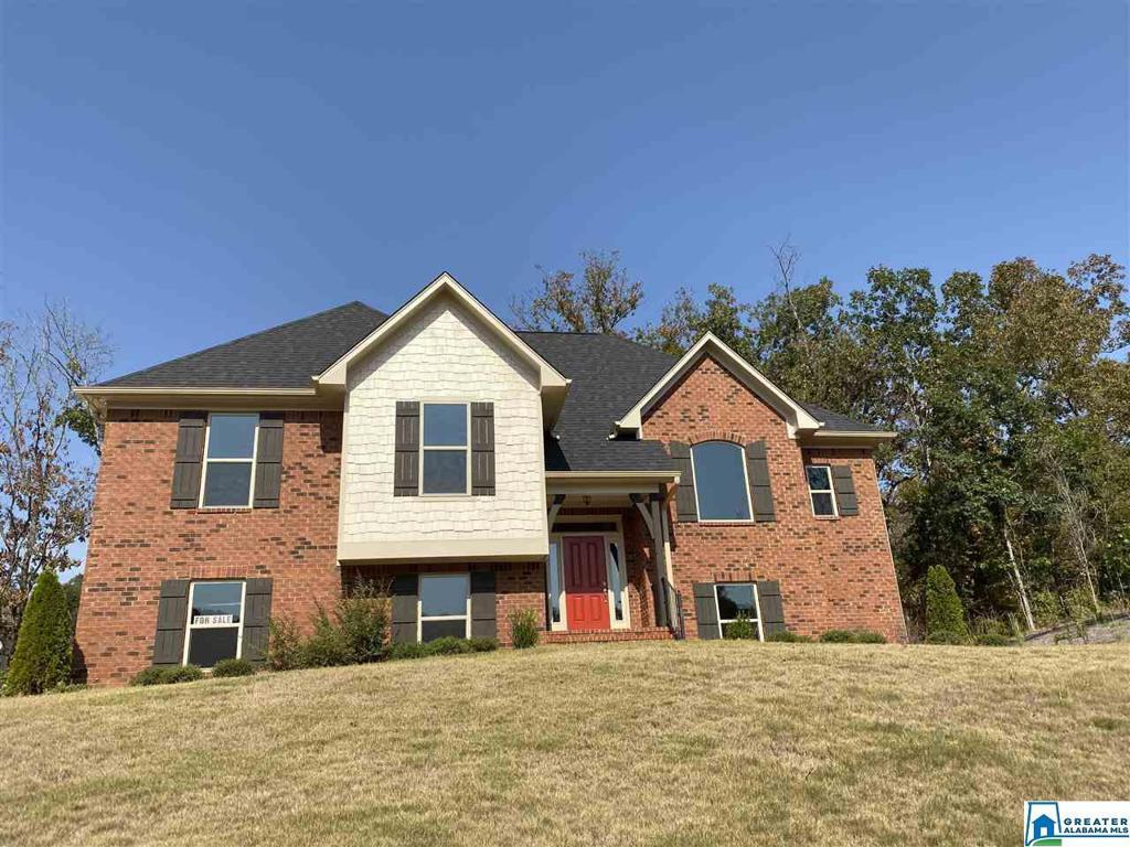 Photo of home for sale at 6027 Long Leaf Lake Trl, Helena AL