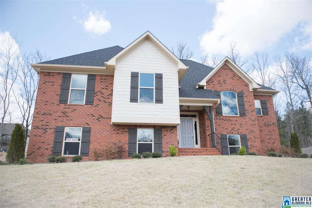 Photo of home for sale at 6027 Long Leaf Lake Trl, Helena AL