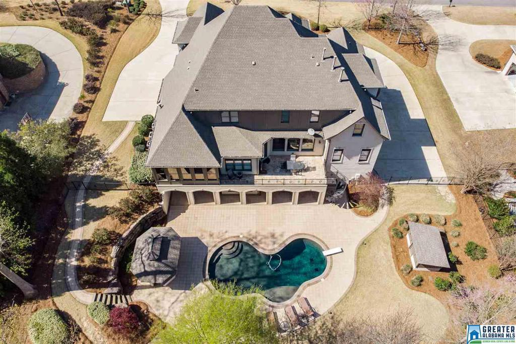 Photo of home for sale at 2464 Glasscott Point, Hoover AL
