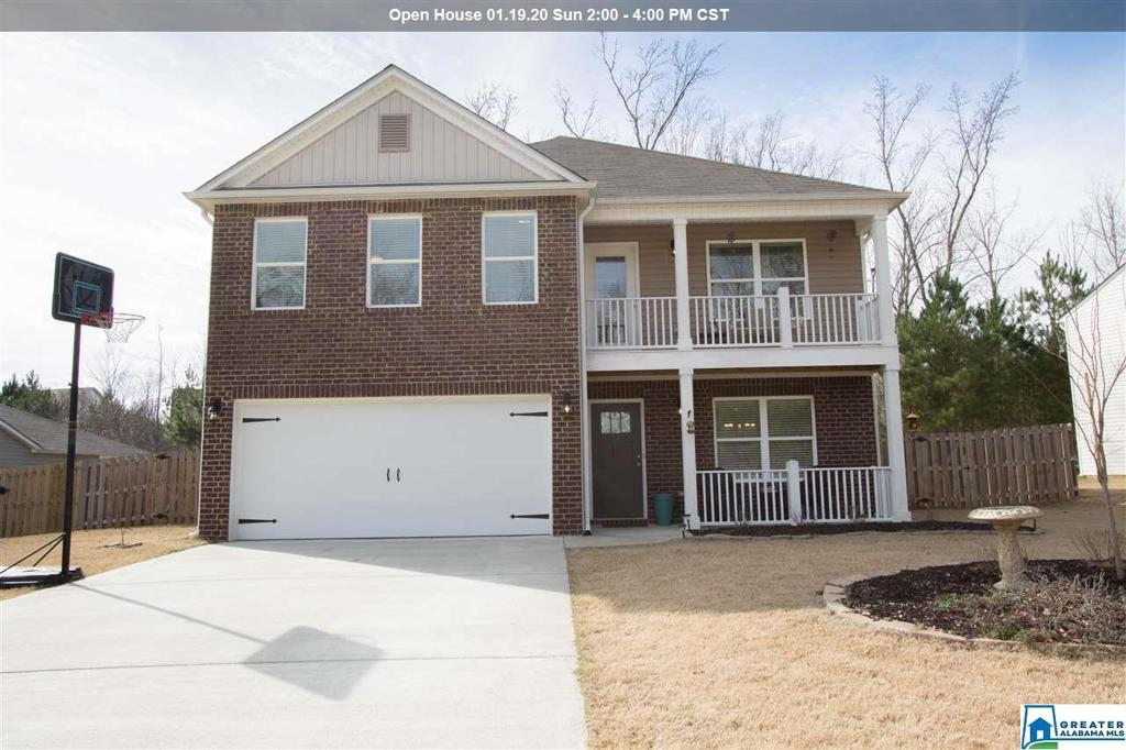 Photo of home for sale at 844 Huntington Trc, Chelsea AL