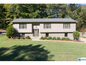 Property for sale at 3254 Altaloma Dr, Vestavia Hills,  Alabama 35216