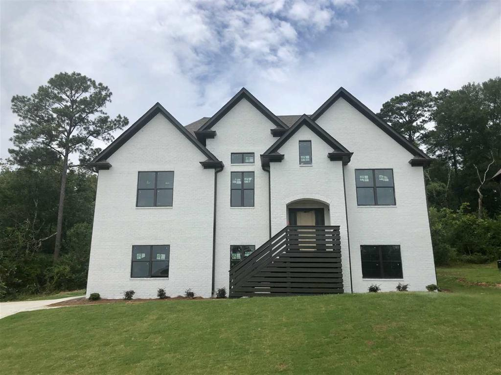 Photo of home for sale at 424 Sterling Lakes Way, Helena AL