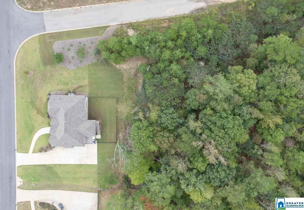 Photo of home for sale at 213 Grey Oaks Ct, Pelham AL