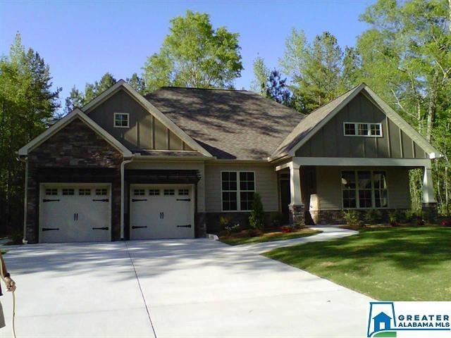 Photo of home for sale at 142 Glenstone Dr, Chelsea AL