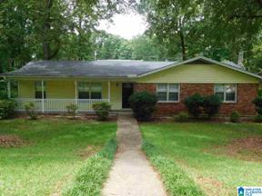 Property for sale at 1240 Old Oak Circle, Birmingham, Alabama 35235