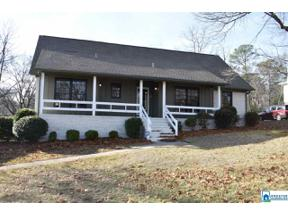 Property for sale at 152 Caliente Dr, Hoover,  Alabama 35226