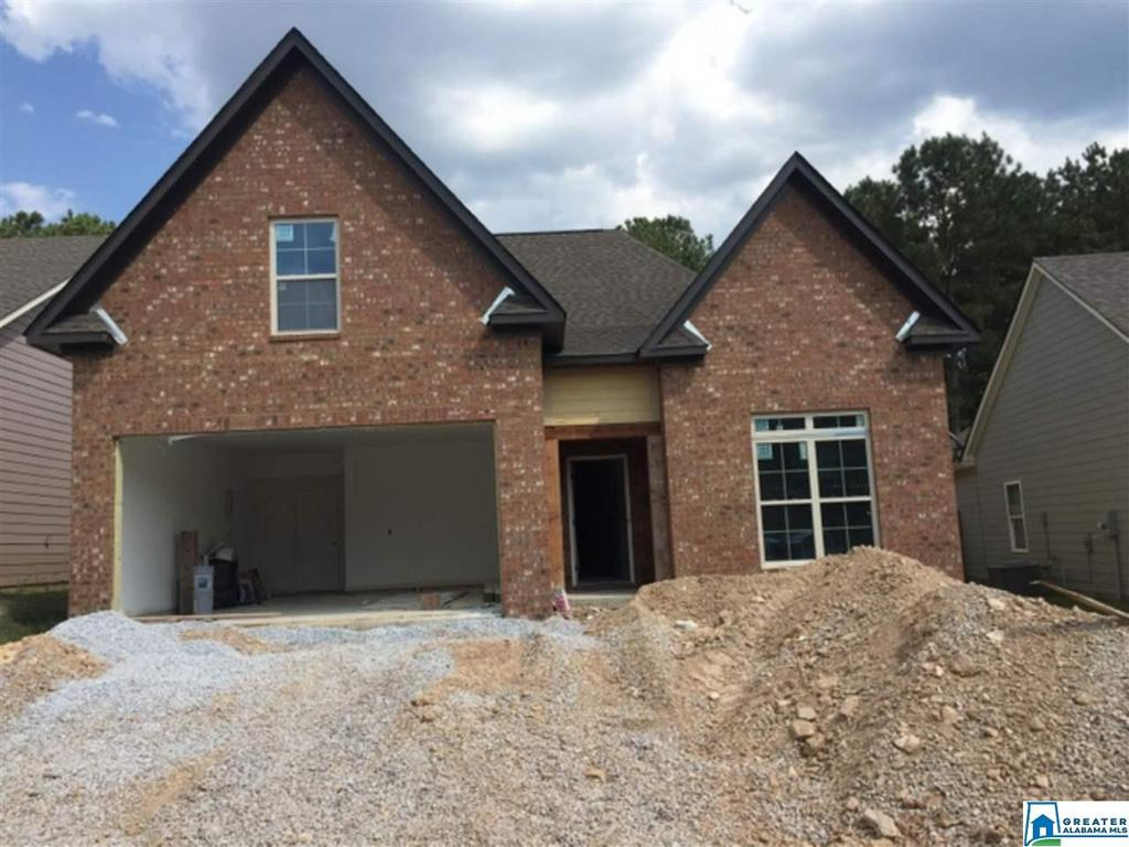 Photo of home for sale at 1032 Pine Valley Dr, Calera AL