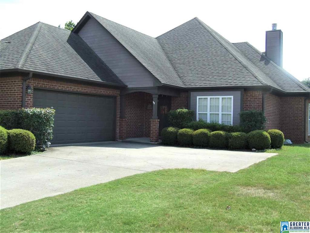 Photo of home for sale at 297 Creekside Ln, Pelham AL